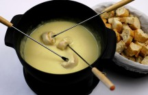 Beer and Swiss-Cheddar Fondue