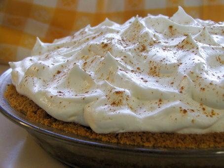 Bananas Foster Creme Pie - Laura's Best Recipes