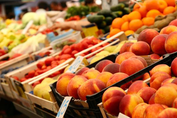 peachesfarmersmkt.jpg