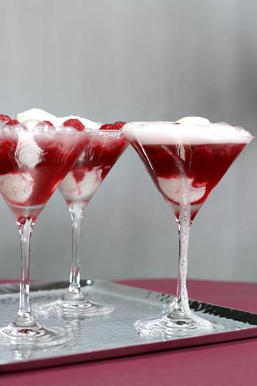 Raspberry-champagne-Fizz-370x555.jpg