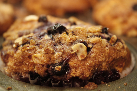 blueberry muffin with streusel